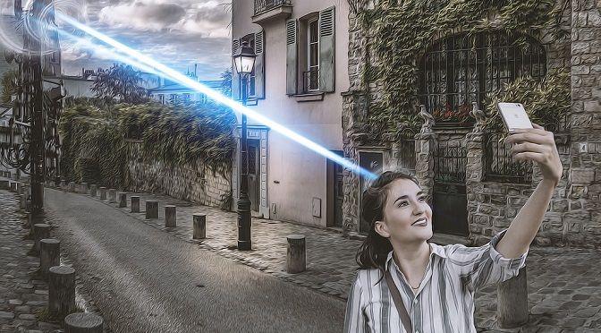 A women clicking selfie