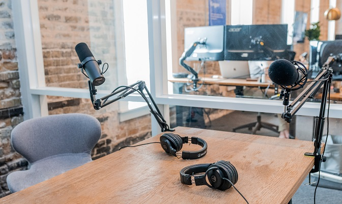 Table and microphone for webinar